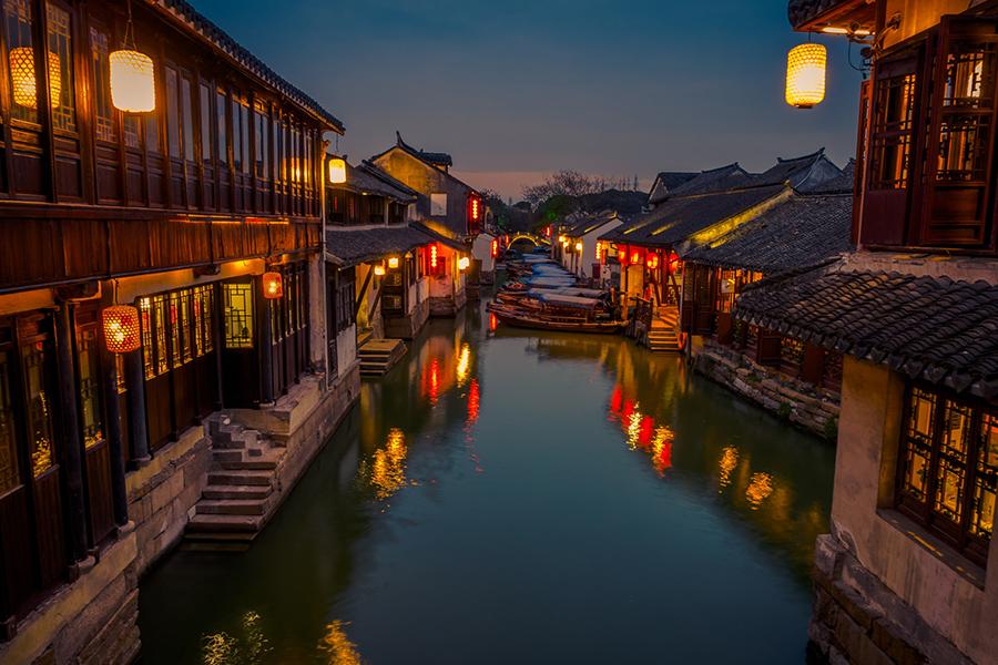 Noite num canal de Zhouzhuang, Jiangnan